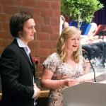Hannes Kühn und Kristin Fricke halten die Abiturrede für die Schüler.